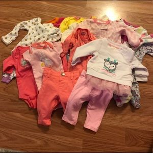 Baby Girl Newborn Month Clothes Lot 15+ Pieces